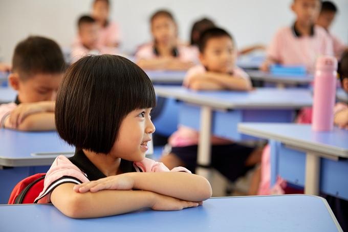 开学是一种怎样的体验?这群学生哥的表情包亮了
