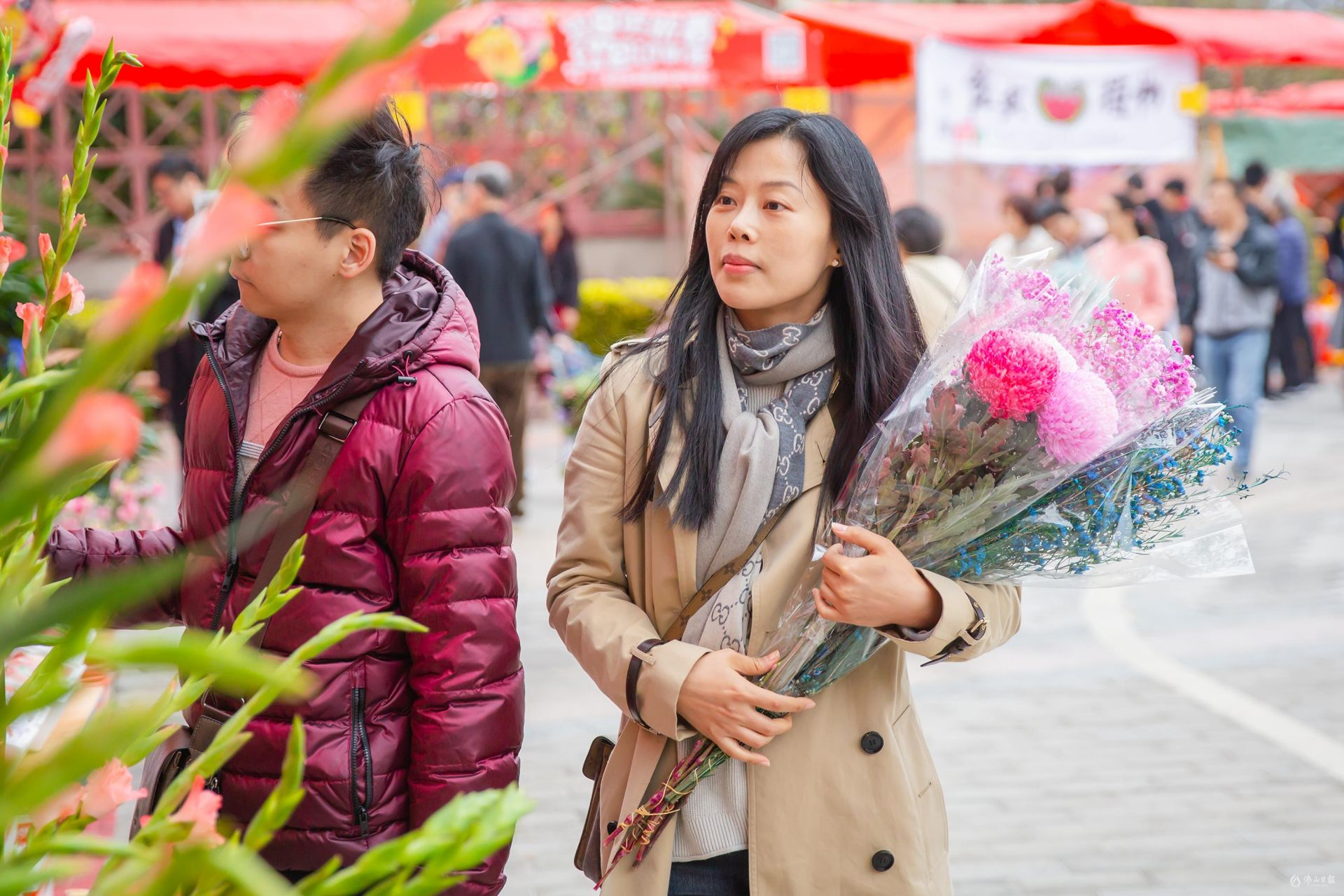 """美高梅娱乐官网年味""""行花街"""":不来走一走怎么算过年?"""