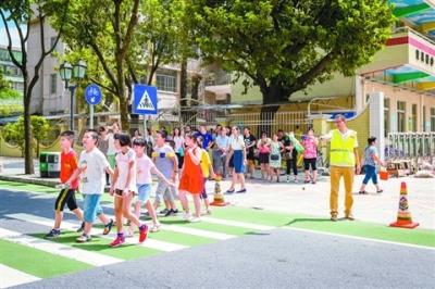 开学季出行丨学校:减少私家车接送 交警:提前规划错峰出行