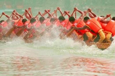 佛山九江女子龙舟队教练与队员受到习近平总书记会见