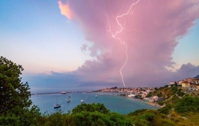 震撼至极 英年度气象摄影大赛作品展示