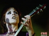 爱尔兰小红莓乐队女主唱在伦敦逝世 享年46岁