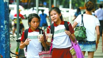 中国消费者餐饮类消费清单最火奶茶,三水年轻人为何也这般狂热奶茶?