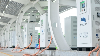 国庆电动汽车出游不用愁!珠三角高速上新增28座充电站