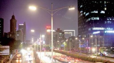 夜晚不怕黑,还很美!禅城全区主干道已装上LED路灯