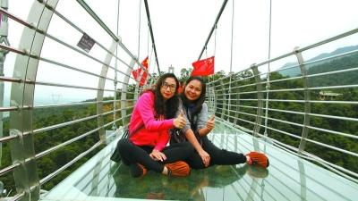 """广东最长玻璃桥!三水南丹山""""网红""""玻璃桥正式开业"""