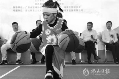 """篮球""""大咖""""教你玩转篮球"""