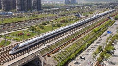广铁下月5日实行新列车运行图 增开动车组客列31.5对