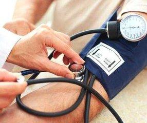 冬天血压易失控 科学用药是关键