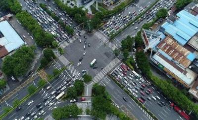 鸿运国际欢迎你司机注意!桂澜路-南桂路路口拟微循环改造