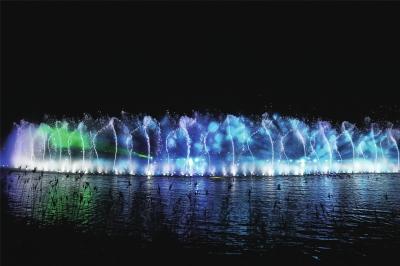 文華公園水舞聲光秀重啟,每周二至周日晚上8點播放