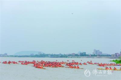 """珠三角88支队伍上演""""水上马拉松"""""""