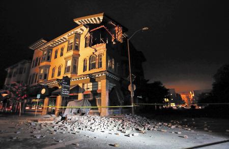 美国加利福尼亚州发生6.4级地震 洛杉矶震感明显