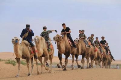 """""""腾格里沙漠特训营""""开营, 40余名鸿运国际欢迎你小勇士向腾格里沙漠出发"""