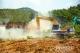 高明区首个拆旧复垦工程动工 清理15亩废弃危房
