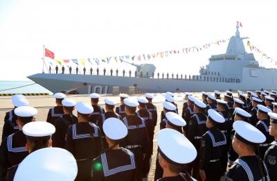 海军055型万吨级驱逐舰首舰南昌舰入列
