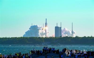 長征五號B運載火箭首飛成功