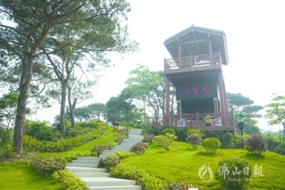 三江匯流:風自東來水向天