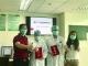 高空救人登上央视新闻  三水为医护夫妻颁点赞证书