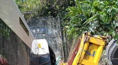 持續更新丨臺灣列車出軌事故:目前已致48人死亡 超200人等待救援